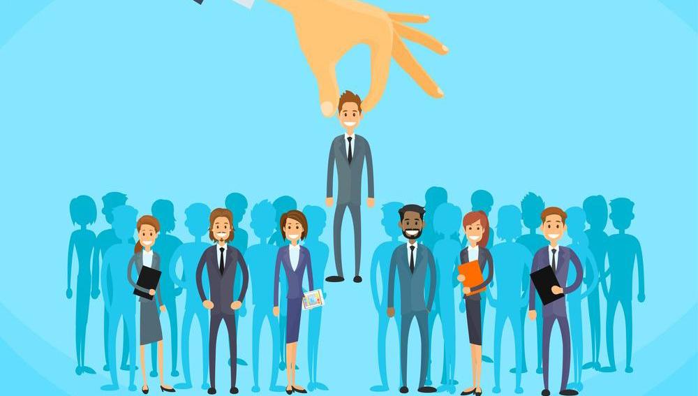 CENTER RH   10 dicas para se destacar no mercado de trabalho